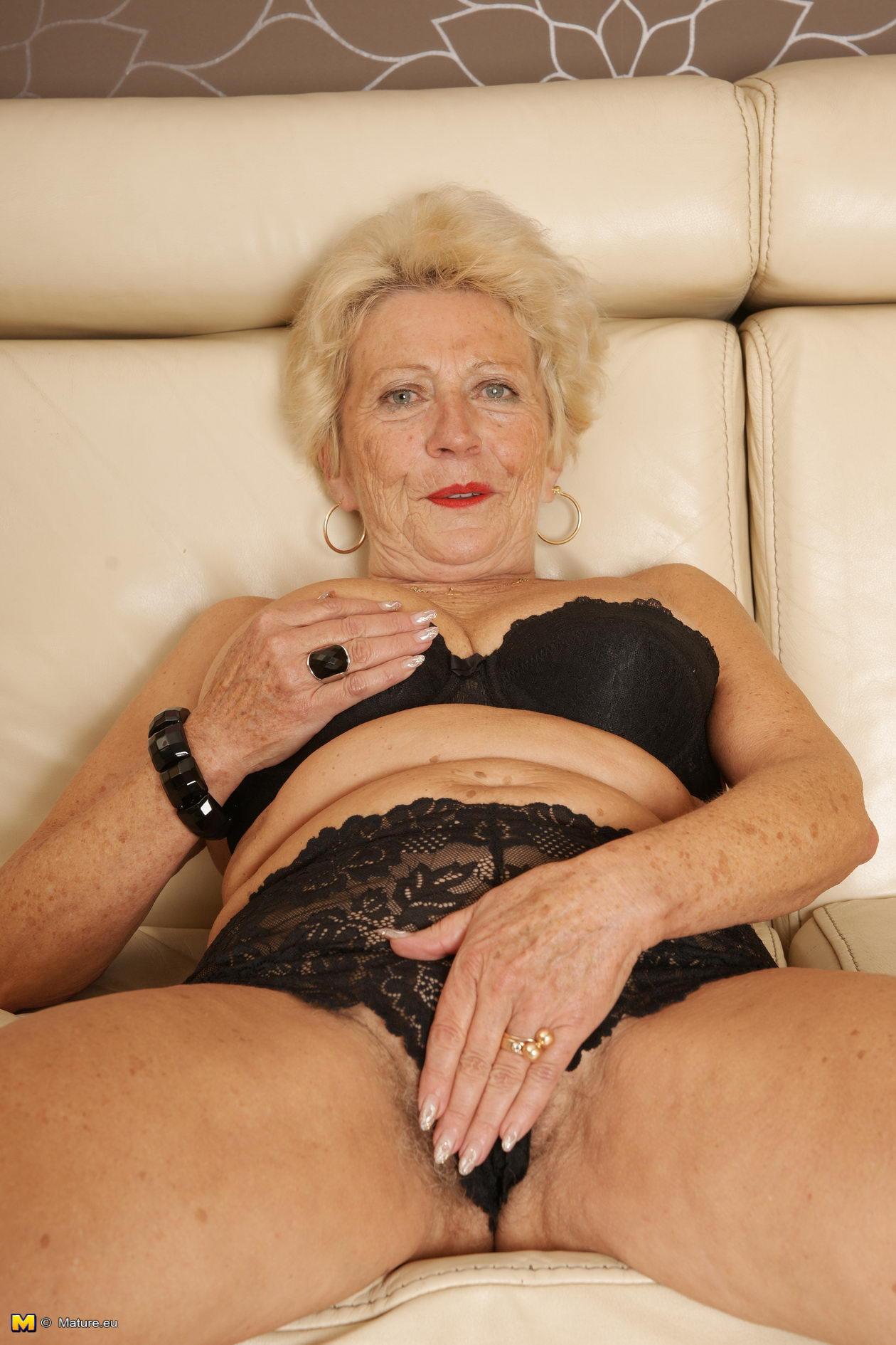 развратная бабушка мечтает о трахе фото фото порно 2