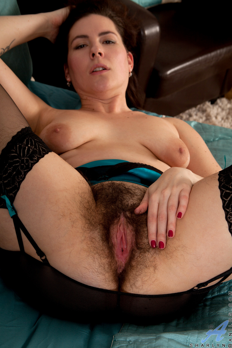 Mature Hairy Pussy Dildo